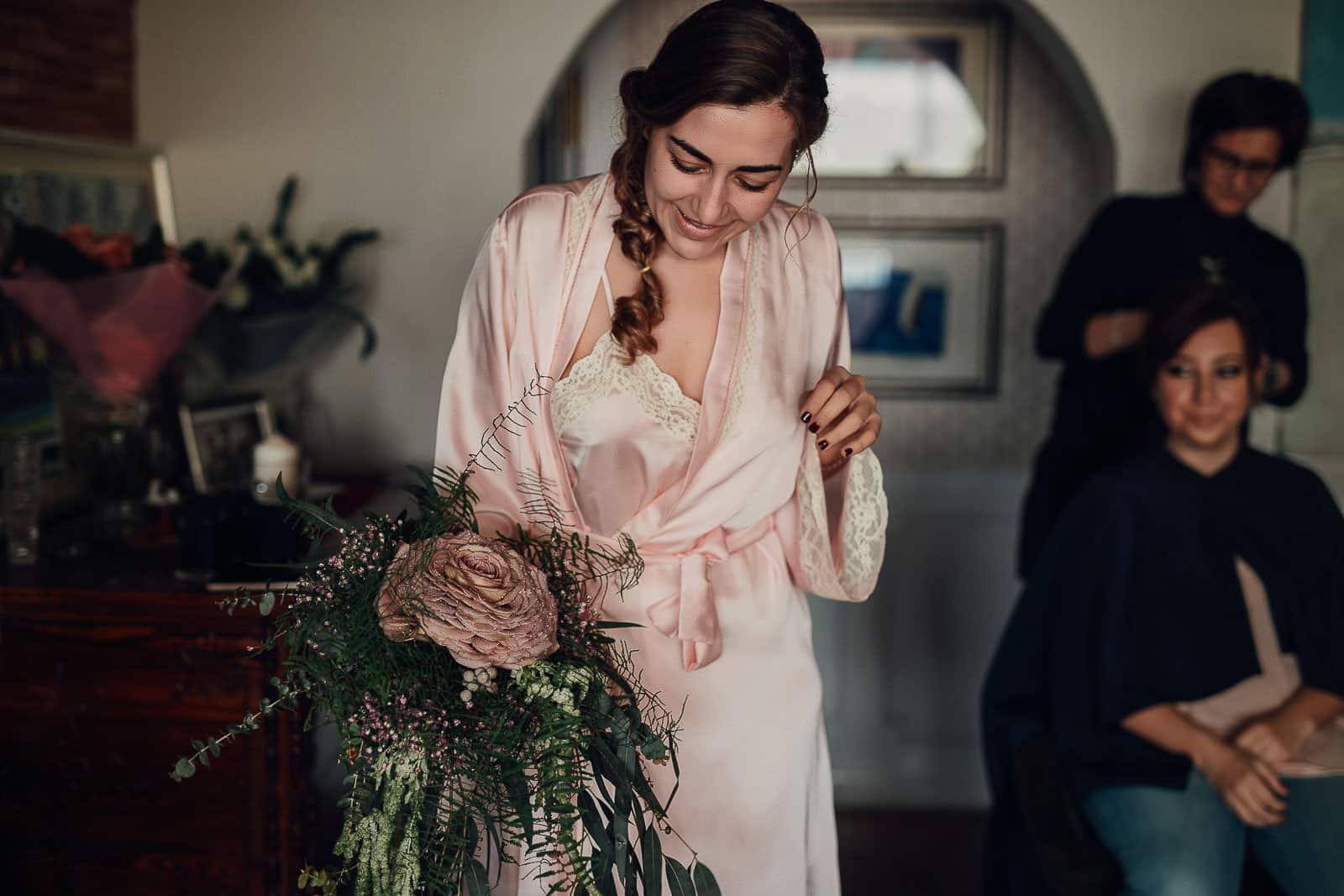 novia pijama detalles ramo flores fernando hijo