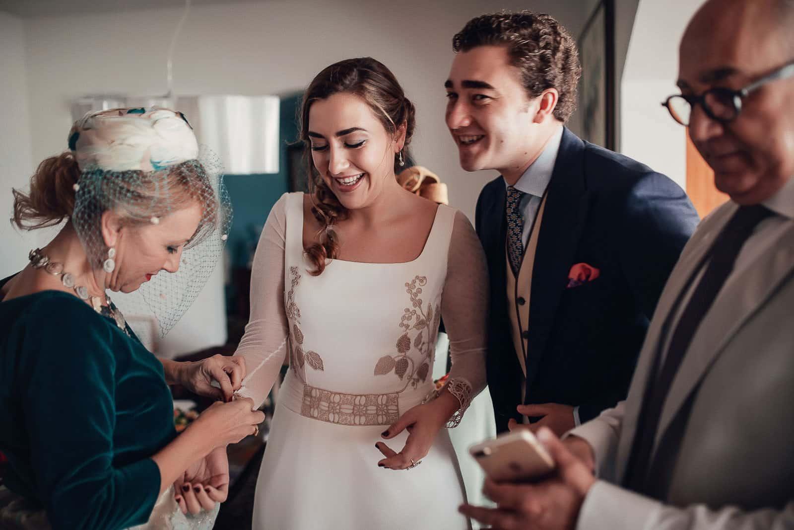 familia novia preparativos boda