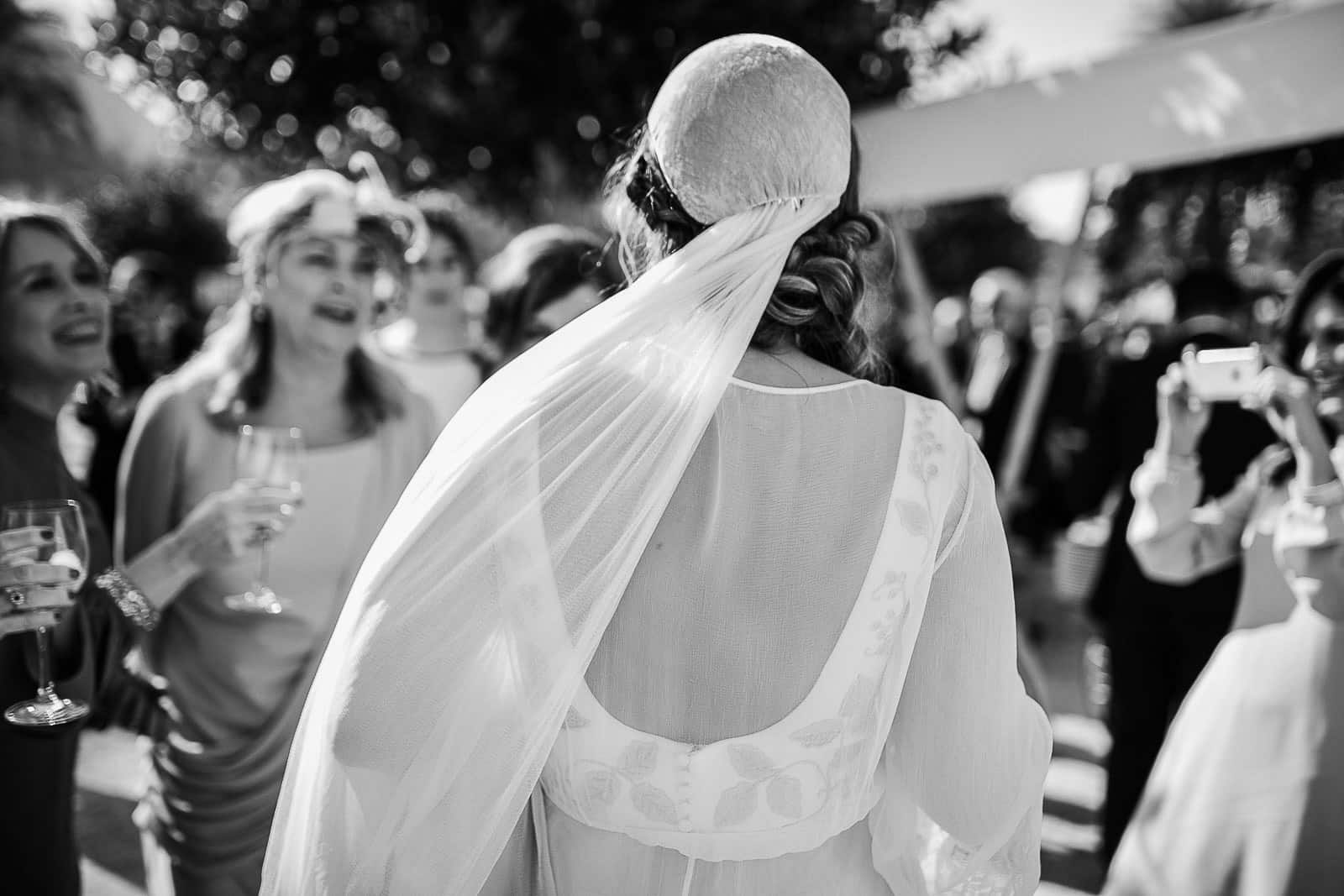 detalles novia vestido velo blanco