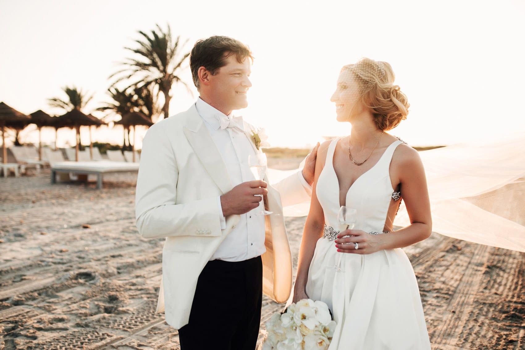 novios pareja copas champagne playa mar menor