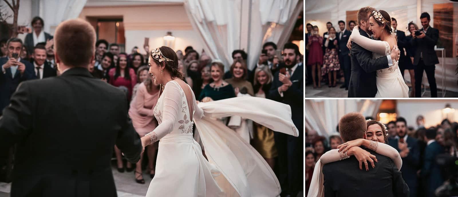 baile boda novios pareja abrazo