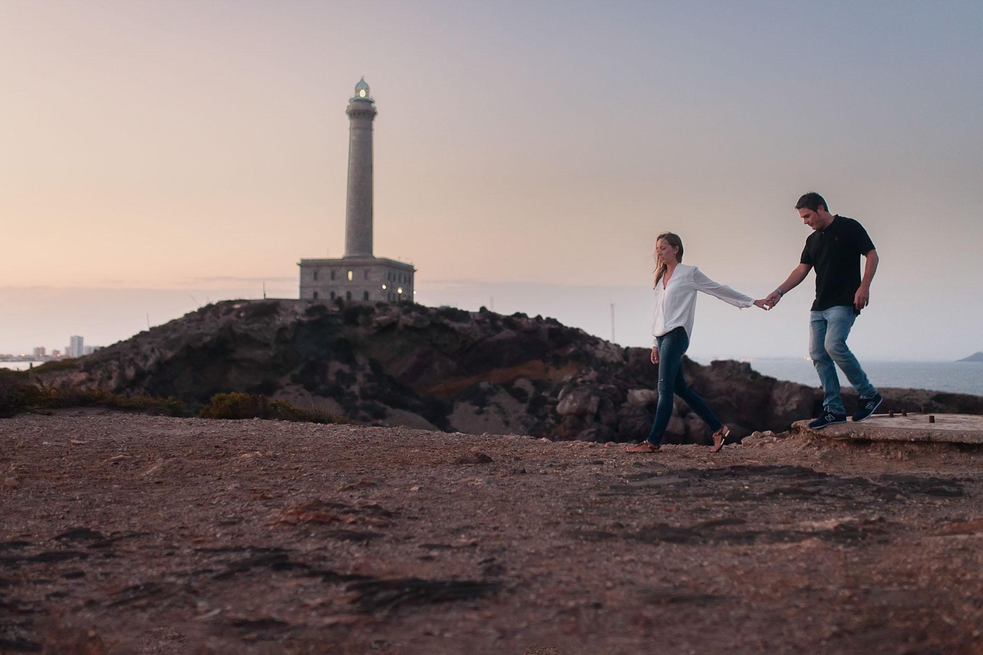 faro cabo de palos novios pareja atardecer manos photography playa