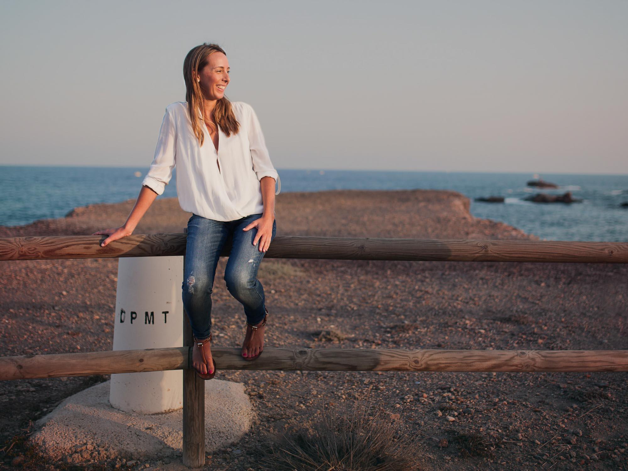 novia valla madera cabo de palos acantilado vistas mar agua rocas
