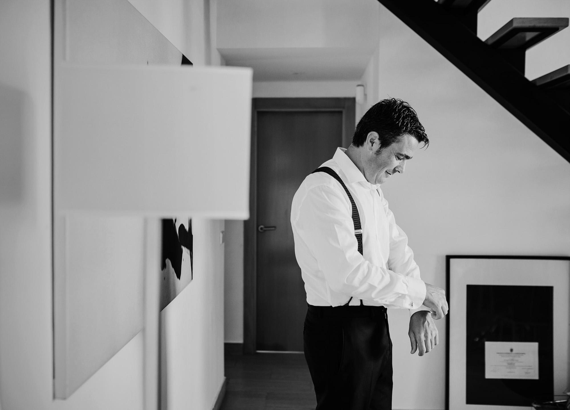 novio gemelos tirantes detalle traje wedding camisa casa photography
