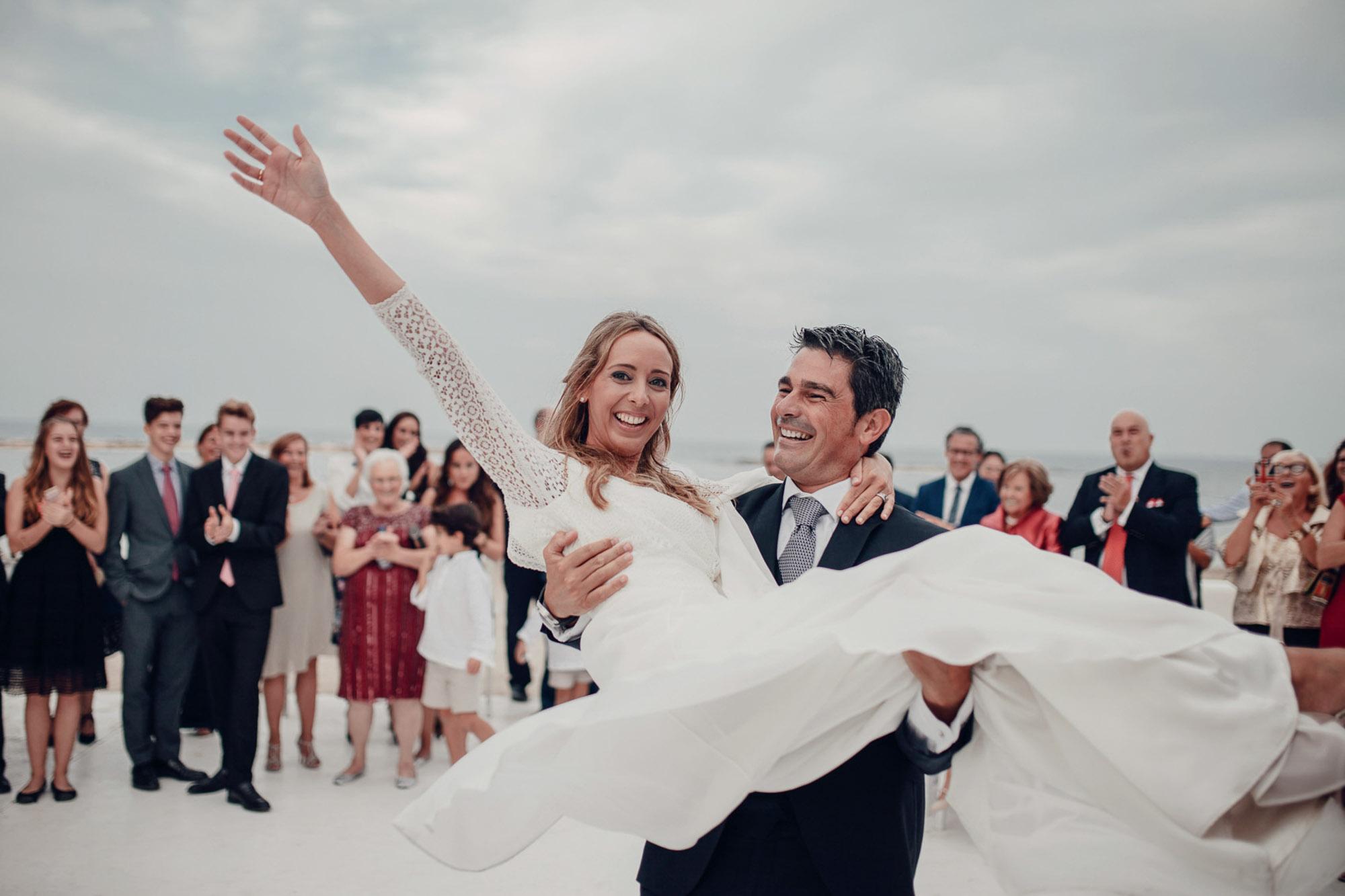 pareja novios wedding Cabo de Palos playa fotografia vestido