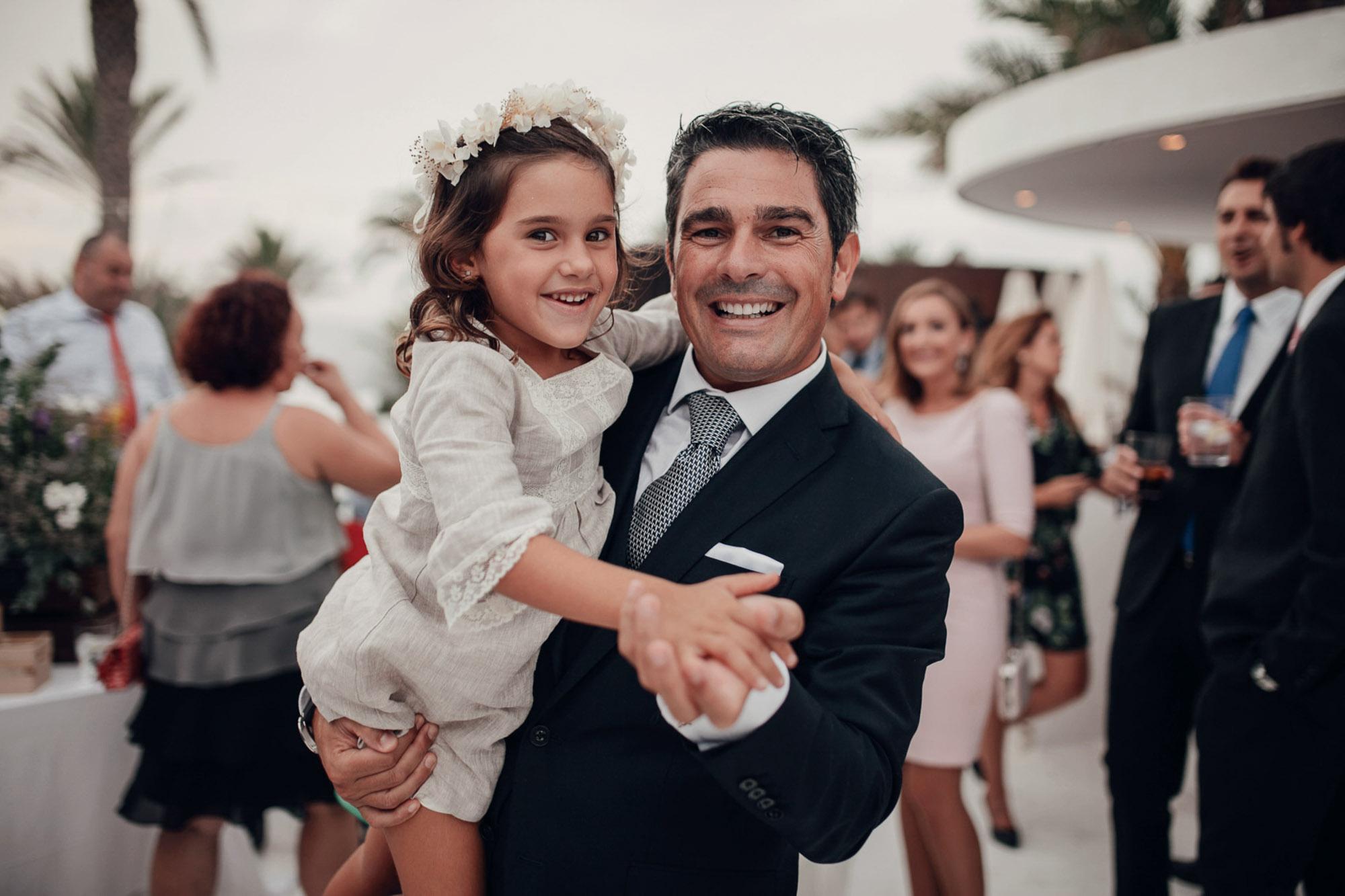 novio niña wedding arras Cabo de Palos playa fotografia