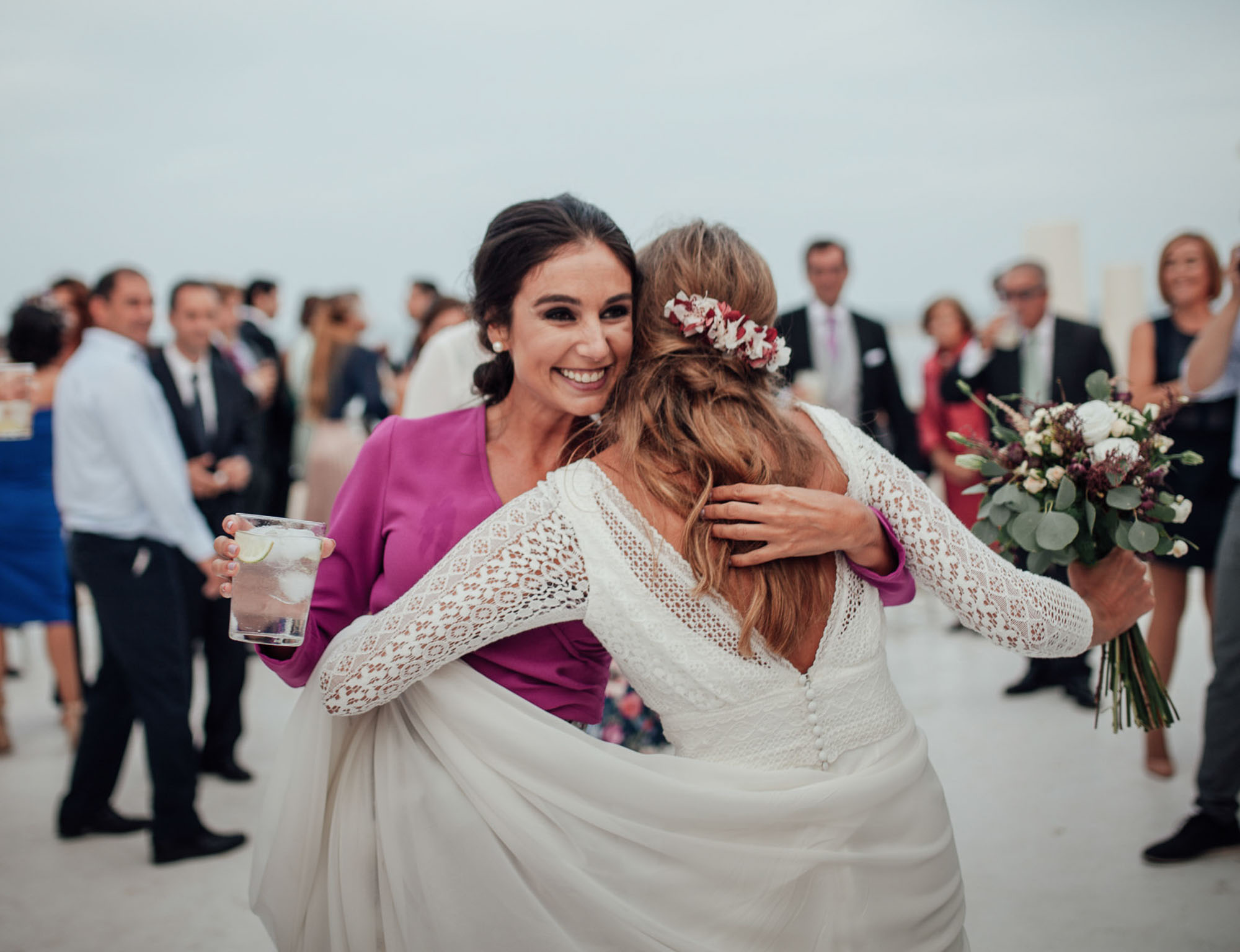 ramo flores enlace matrimonial Cabo de Palos abrazo fotografia