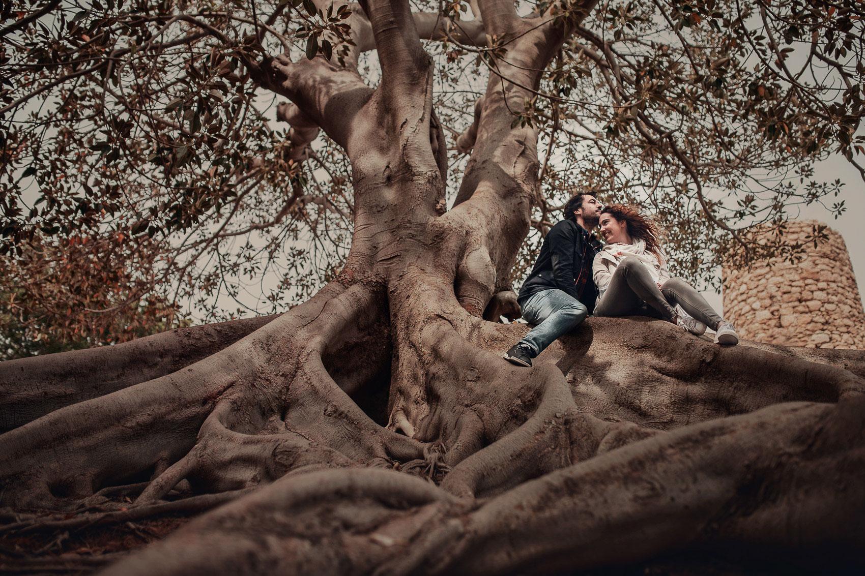 posado pareja arbol beso naturaleza murcia