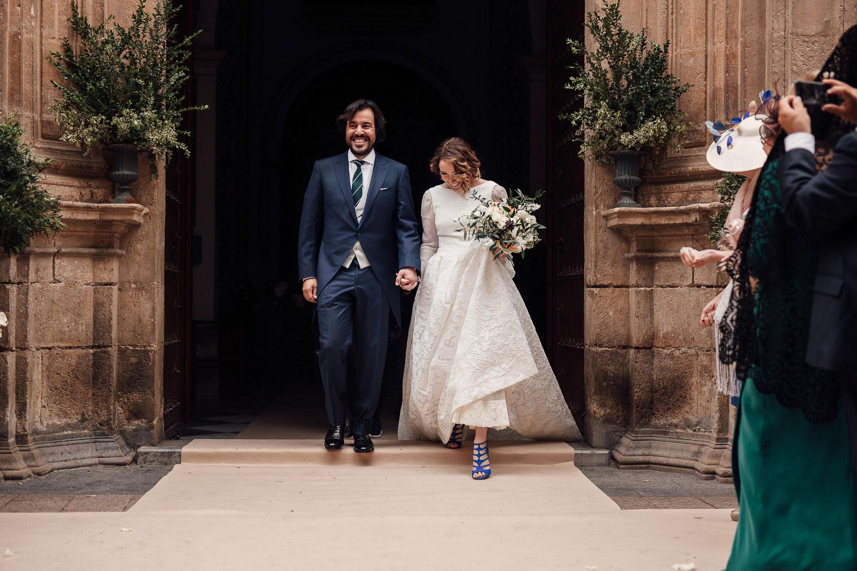 salida iglesia anas boda decoracion