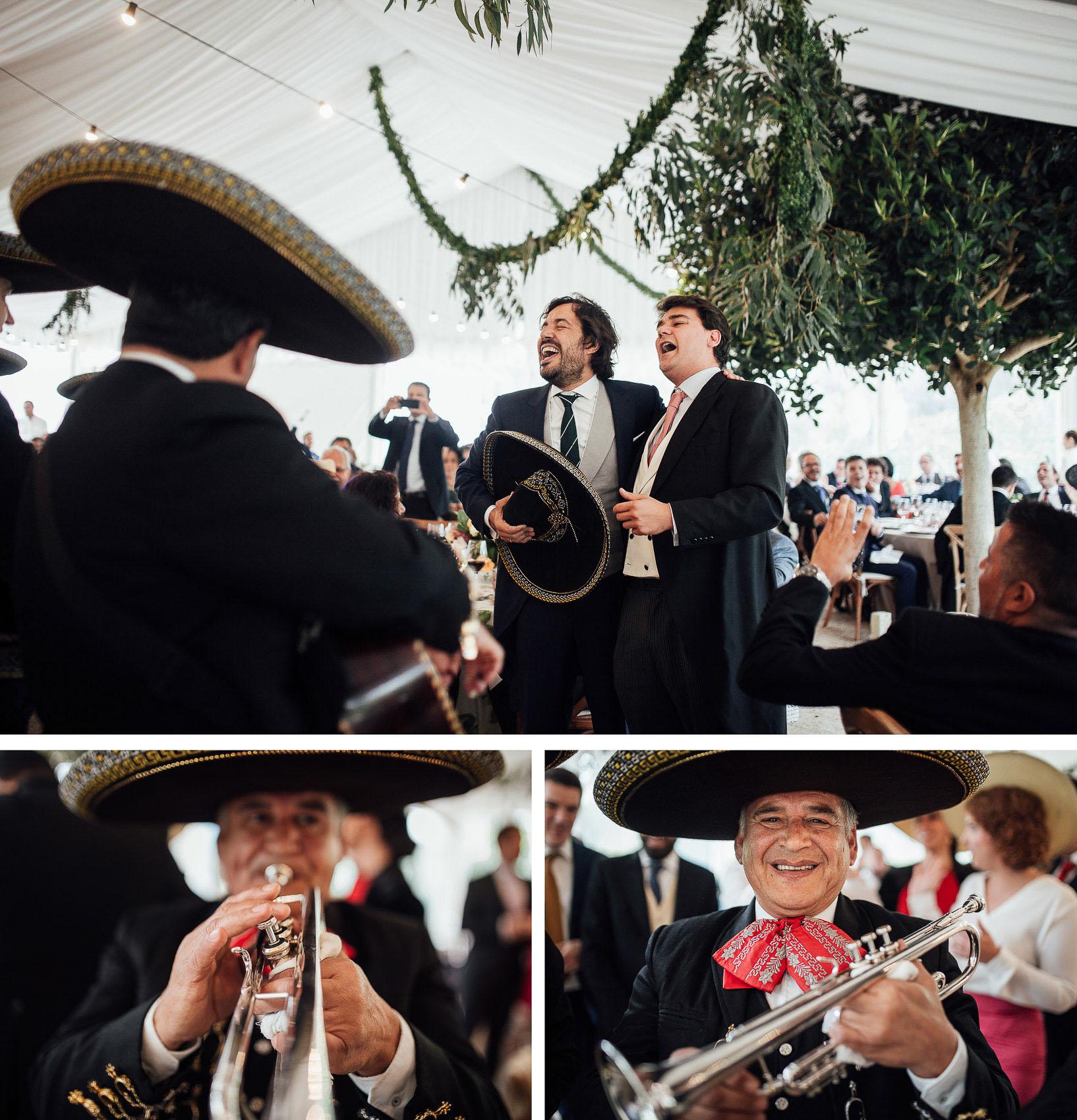 novio cantando ranchera mariachis musica directo boda
