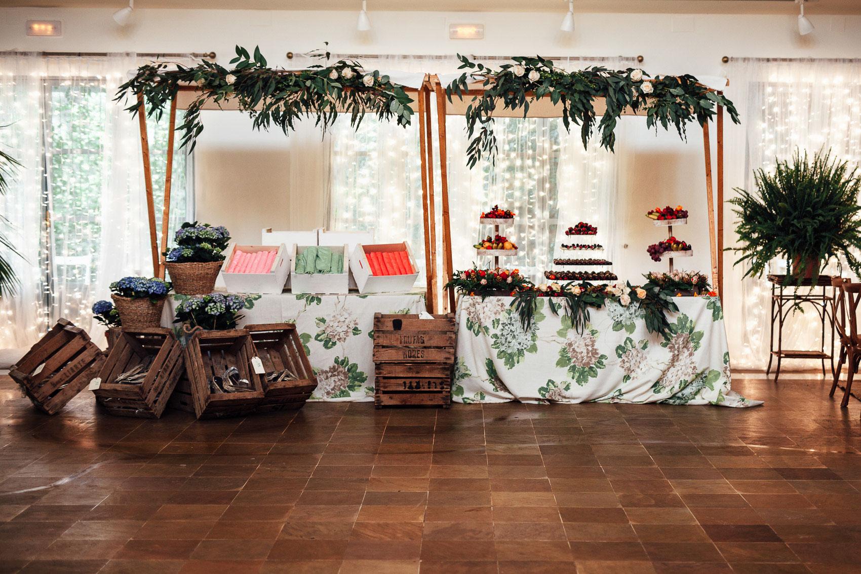 decoracion valisse puestos comida flores
