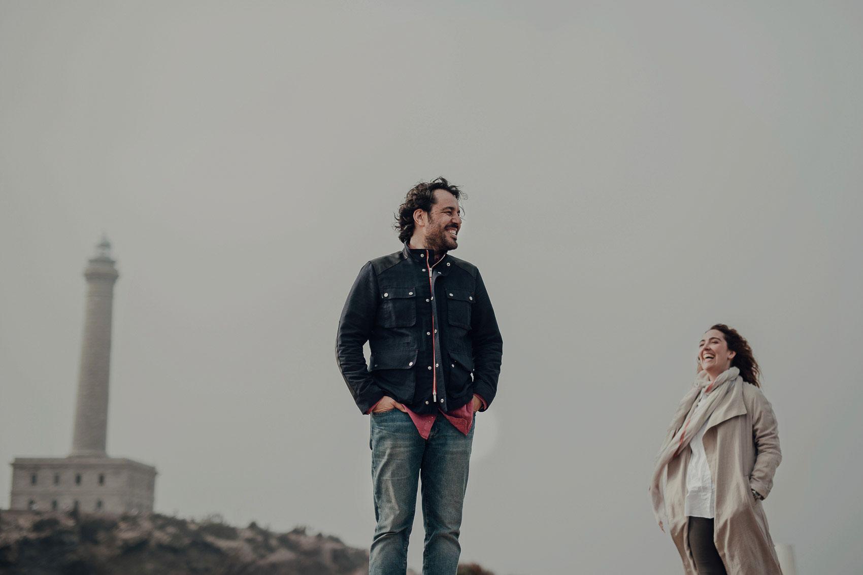 pareja casados sonrisa faro cabo de palos